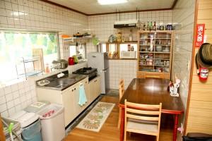 冷蔵庫・電子レンジ・炊飯器・調理器具・調味料各種ご自由にお使いください